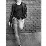 Jeans y cuero negro